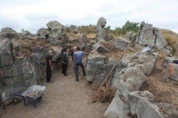Ermənilər Laçında qədim yaşayış məskənlərini dağıdır