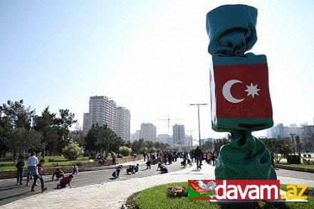 """Uşaq və yeniyetmələr """"Mənim sevimli bayrağım"""" mövzusunda rəsmlər çəkib"""